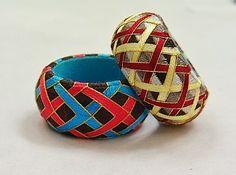 Yubinuki thimble ring with interlaced patterning