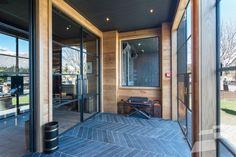 Rodd & Gunn 'The Lodge Bar', Queenstown - Projects