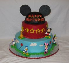 Mickey Mouse cake By tinabee on CakeCentral.com