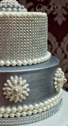 Silver and Pearl Glam Wedding Cake