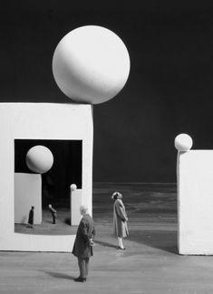 inspiration collector — Gilbert Garcin …is a french photographer from. Set Design Theatre, Stage Design, Gilbert Garcin, Goldscheider, Poesia Visual, French Photographers, Scenic Design, Monochrom, Surreal Art