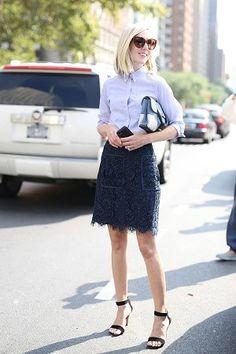 紺・ネイビーのレーススカート着こなしコーデ