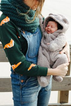 Overalls Styled + Hudson! / Steffys Pros and Cons | A NYC Personal Style, Travel and Lifestyle Blog #VintageKidsFashion Cute Baby Pictures, Baby Photos, Mom And Baby, Baby Love, Vintage Kids Fashion, Fashion Children, Vintage Style, Overalls Fashion, Baby Family