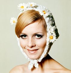 Twiggy wearing lace & daisey hat 1960's