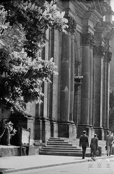 Kościół św. Anny - fasada Old Photographs, Old Photos, Krakow, Planet Earth, Planets, Maine, Architecture, World, Fotografia