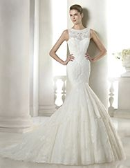 I want this dress!!!  Sonsoles wedding dress from the Costura 2015 - St Patrick collection | St. Patrick