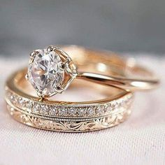 30 Rose Gold Wedding Rings You'll Fall In Love rose gold wedding rings round cut. 30 Rose Gold Wedding Rings You'll Fall In Love rose gold wedding rings round cut solitaire simple Engagement Ring Rose Gold, Wedding Ring Finger, Wedding Rings Solitaire, Classic Engagement Rings, Wedding Rings Rose Gold, Wedding Rings Vintage, Vintage Rings, Solitaire Diamond, Wedding Engagement
