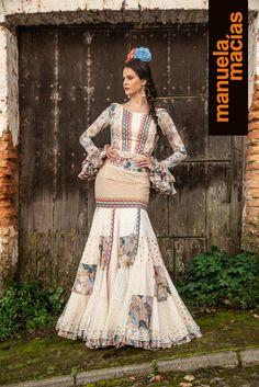 Colección 2019 Manuela Macías Moda Flamenca Flamenco Party, Flamenco Costume, Flamenco Skirt, Flamenco Dancers, Spanish Dancer, Spanish Fashion, Maid Of Honor, Belly Dance, Fashion Show