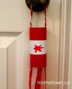 Canada Day Crafts for Kids: Windsock Canada Flag Summer Crafts, Holiday Crafts, Diy And Crafts, Arts And Crafts, Daycare Crafts, Preschool Crafts, Canada Day Windsock, Craft Activities For Kids, Crafts For Kids