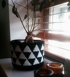Triforce-kori crochet pattern by Molla Mills