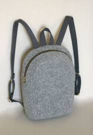 Felt leather rucksack made of strong impregnated felt. It is taliormade for MacBook It has got strong, regulated straps made of cotton. Rucksack Backpack, Laptop Backpack, Superman Backpack, Macbook 13, Handmade Bags, Fashion Backpack, Backpacks, Wallet, Sewing