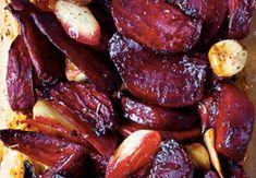 Máte rádi Jamieho Olivera? Vyzkoušejte, jak chutná červená řepa pečená s česnekem podle jeho receptu!