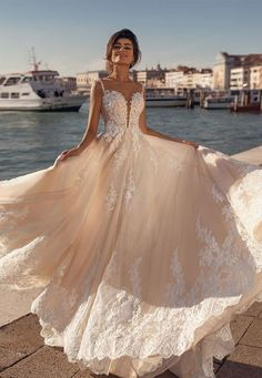 Popular Wedding Dresses, Stunning Wedding Dresses, Bridal Dresses, Couture Wedding Gowns, Wedding Dress Chiffon, Gown Wedding, Lace Wedding, Wedding Dress Silhouette, Mermaid Dresses
