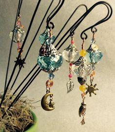 Wire Crafts, Bead Crafts, Jewelry Crafts, Bracelet Crafts, Garden Totems, Garden Art, Garden Whimsy, Garden Stakes, Garden Lanterns