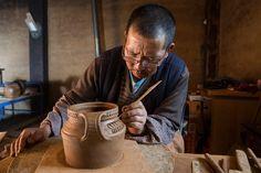 Snapshot: Pottery making in northwest Yunnan - GoKunming