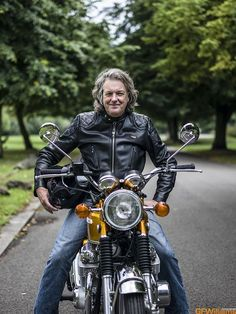 James May and a Honda 25 August 2013 for the October 2013 issue of Classic Bike magazine Top Gear Bbc, Clarkson Hammond May, Bike Magazine, James May, Japanese Motorcycle, Honda Cb750, Classic Bikes, Grand Tour, Vintage Motorcycles
