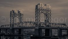 THIRD AVENUE BRIDGE - Composition Sunday #PhotoOfTheDay #SMYNYC #newyorkcity #NewYork #NYC #bridge #manhattan #harlem #eastriver   © Erik Mc Gregor - erikrivas@hotmail.com- 917-225-8963