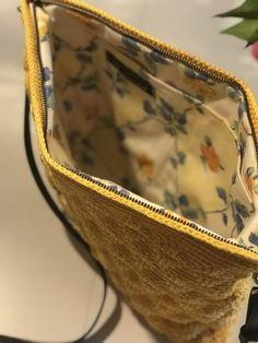 "Sådan hækler du ""SunShine"" tasken - By Damsbak Hækleopskrifter Knit Crochet, Crochet Things, Projects To Try, Sunshine, Sewing, Knitting, Handmade, Tips, Inspiration"