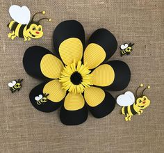 Bee Crafts, Crafts For Kids, Bee Rocks, Bee Pictures, Bumble Bee Birthday, Jungle Theme Birthday, Bee Party, Class Decoration, Bee Theme