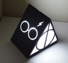 Luminária/Abajur Triangular Harry Potter