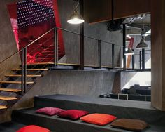 Ogilvy & Mather, Break-out area, Stairs, M Moser Associates by M Moser Associates ideas office design design Interior Design Pictures, Office Interior Design, Interior Design Inspiration, Interior Decorating, Office Designs, Office Ideas, Corporate Interiors, Office Interiors, Ogilvy Mather