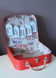 very cute idea for cards at the reception.