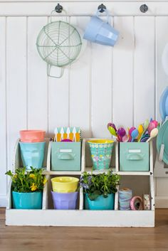 Minty House, minty, kitchen, pastels, Rice, power of colors, spring time, spoons, melamine mugs