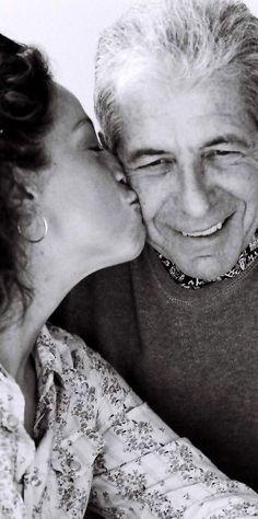 Perla kissing Cohen