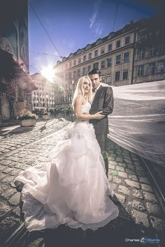Beispielbild Wedding Dresses, Fashion, Opera, Wedding Photography, Bride Dresses, Moda, Bridal Gowns, Fashion Styles