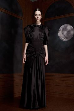 Viktor & Rolf Pre-Fall 2012 Collection - Vogue