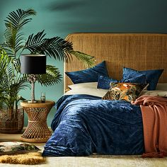 Home Republic - Luxe Velvet Quilt Cover Navy Luxe Bedroom, Luxury Bedding Sets, Navy Bedding, Comfortable Bedroom, Velvet Duvet, Velvet Bedroom, Navy Blue Bedding, Velvet Comforter, Home Bedroom