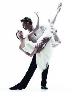 Adam Bull and Amber Scott. Photography Liz Ham. #stage #ballet #australianballet #swanlake #adambull #amberscott #photography