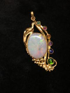 Wunderschöner Jugendstil Anhänger mit einem Opal ID:A1376-1 - AV-Pfandhaus Shop Av, Gemstone Rings, Brooch, Gemstones, Jewelry, Art Nouveau, Young Adults, Art, Nice Asses