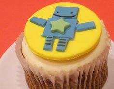 Star Robot Fondant Cupcake and Cookie Art