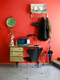 #escritorio en www.chachiandchachi.com #vintage #deco #fifties #sixties #rockabilly #scandinavian #spaceage #decoracion #interiorismo #antiques #zamora en chachiandchachi