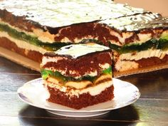 Кислинка желе, сладкий заварной крем и нежный бисквит создают неповторимый букет вкуса!