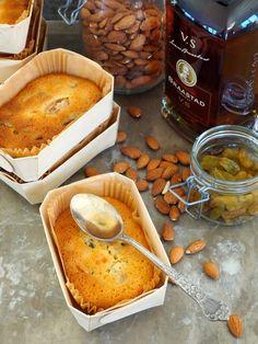 Denne kaken er en av de første jeg lager før jul. Konjakk-kake er full av godsaker og mates regelmessig med konjakk. Ypperlige å gi vekk som små julegaver er de og! Camembert Cheese, French Toast, Baking, Breakfast, Cake, Desserts, Recipes, Food, Kitchens