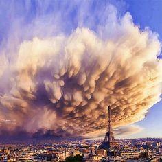 Vihar Párizsban                                                                                                                                                                                 More