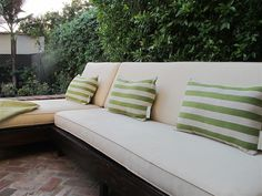 Outdoor sofa made from an old couch ~ awesome before and after #gettingcreativeathome