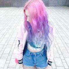 Colorful hair! : Photo