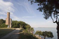 Luttrell's Tower, Eaglehurst, Southampton, Hampshire http://www.landmarktrust.org.uk/search-and-book/properties/luttrells-tower-11322  #holiday #sunshine #shortbreaks #LuttrellsTower #Southampton #historicholidays #LandmarkTrust
