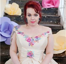 The-couture-company-alternative-bespoke-custom-made-wedding-quirky-dresses-1950s-hilo-vintage-lace-coloured-lace-dress-bride-plus-size-curvy-larger-brides-corsets-corstted-emma-case (48)1.png (225×218)