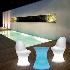 Asiento sillón retroiluminado con LED y sin cables de conexión #jardin #jardines #iluminacion #decoracion #led #interiorismo #lamparas