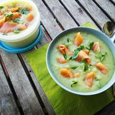 An idea for a dinner and a lunch box for the next day ;) #potato #onion #parsley #salmon #homemadefood #creamsoup #puree #mash #pure #zupakrem #healthyfood #lunchbox #lunch #readytoeat #foodblogger #cookairblog #onthetable #barcelona #healhyfood #healthyeating #nutrition #takeaway #tupperware #vscofood #instafood #sugarfree #glutenfree #lactosefree #dairyfree #photooftheday