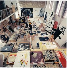 Joan Miró in his workshop.   1973 #Fotografía Francesc Català Roca @Qomomolo