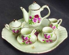 I think I got the miniature tea set from Ouma Babs's display cabinet... but memory is deceptive, and I don't remember what happened to it...
