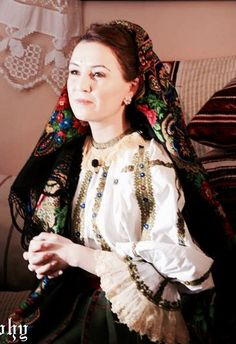 Traditional romanian clothes Romania, Victorian, Traditional, Clothes, Dresses, Fashion, Outfits, Vestidos, Moda