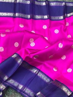 Kalpavruksh, mohiddin estate, near railway reservation counter, bandar road. Elegant Designs, Vintage Designs, Makeover Studio, Navy Blue Color, Traditional Sarees, Pure Silk Sarees, Saree Blouse Designs, Saris, Looking Gorgeous