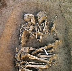 lovers found in italy
