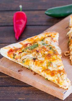 Chicken Fajita Pizza a? if you love chicken fajitas, then this pizza is for you.s cheesy, ita?s spicy, ita? Pizza Recipes, Mexican Food Recipes, Chicken Recipes, Cooking Recipes, Dinner Recipes, Dinner Ideas, Pizza Cool, Pizza Pizza, Pizza Dough